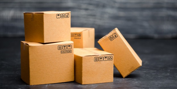 cardboard-boxes-concept-packing-goods-sending-orders-customers_72572-513